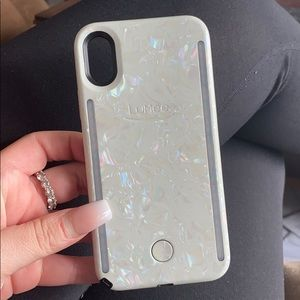 White LuMee case for iPhone X
